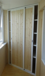 шкафчик на балкон вагонка