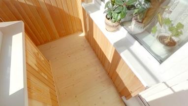 obshivka-balkon-vagonkoj