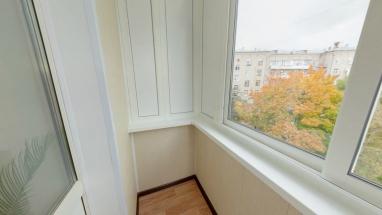 otdelka-plastik-balkon